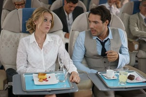 Ludivine Sagnier et Nicolas Bedos dans l'avion pour Amour et Turbulences