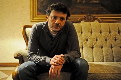 Le fils interprété par Bogdan Dumitrache