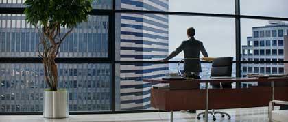 Jamie Dornan domine le monde dans 50 nuances de grey