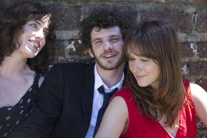 Sophie Verbeeck, Felix Moati et Anaïs Demoustier dans A trois, on y va de Jérôme Bonnell