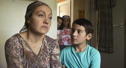 Ramasan et sa mère dans Le petit homme