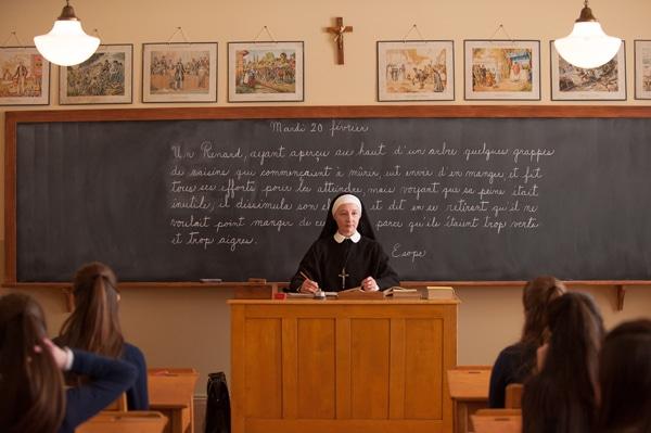 Cours de français dans La passion d'Augustine